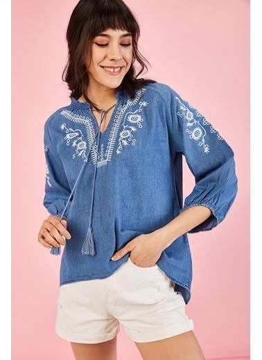 ESQ Beyaz Nakışlı Jean Bluz Mavi